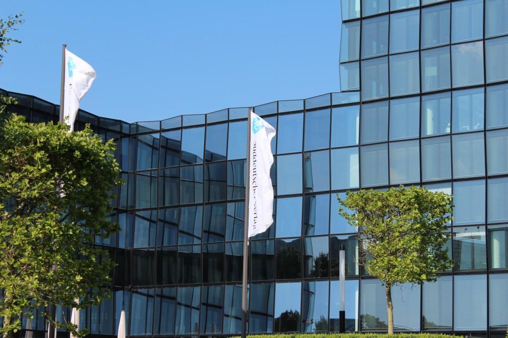 Anfang der Woche war ich in München und habe mich in der Redaktion von LEAD digital, im 5. Stock des SV-Hochhauses vorgestellt.