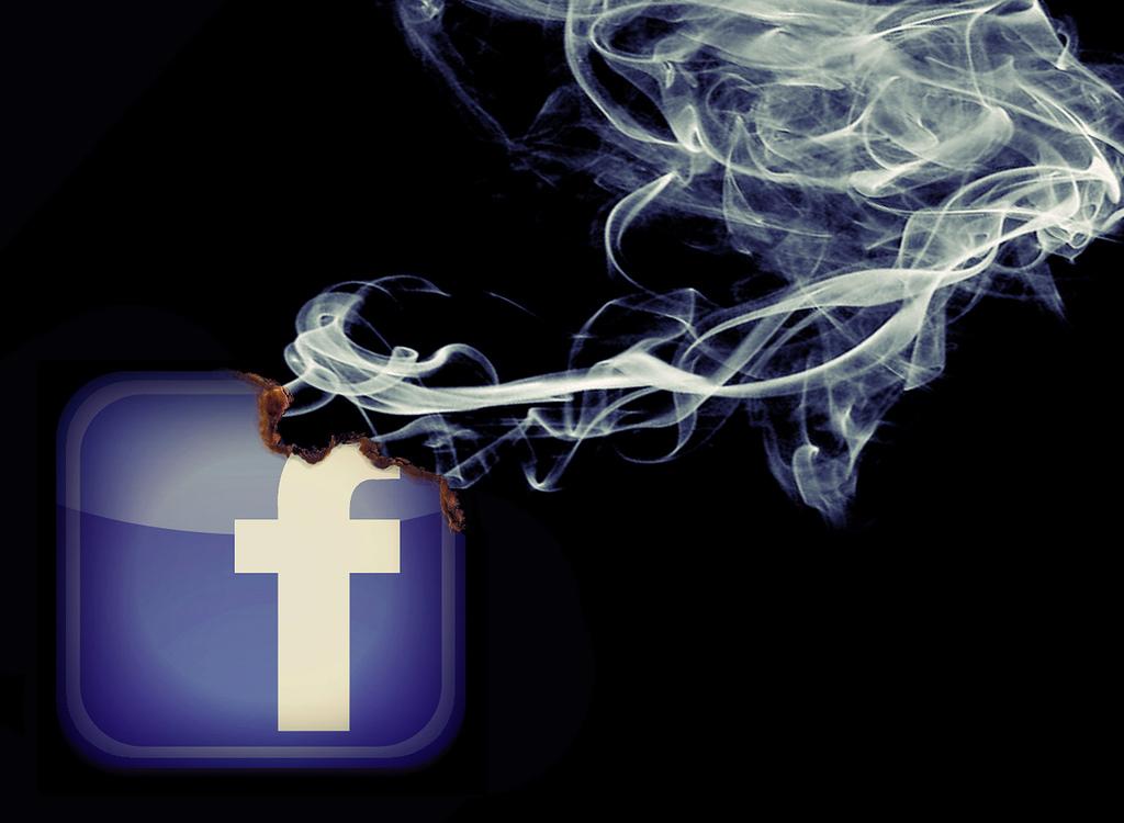 Brennt Facebook wirklich? (Bildnachweis: mkhmarketing / Flickr.com, Lizenz CC-BY-SA)