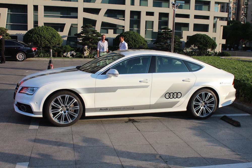 Mit diesem Audi A7 piloted driving wurde der Staupilot auf den Straßen von Shanghai getestet.